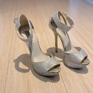 Steve Madden Silver Heels/Pumps